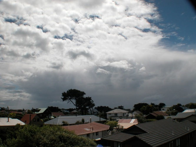 Heavy isolated thundery showers in North Canterbury