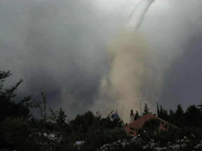Waimate tornado and gustnado south of Christchurch